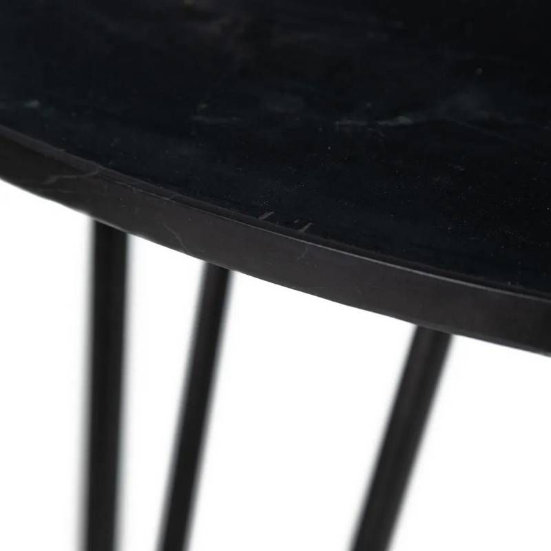 Mesa Auxiliar Yochonon Redonda Mármol Negro Metal 90X90X76 - Mesa auxiliar redonda con tapa de mármol color negro y patas de metal, el mármol es un material natural con variaciones en su aspecto.✓ Material: sobre de mármol con patas de hierro. ✓ Medidas: 90 x 90 x 76 cm. ✓ Color: negro. ✓ Material: hierro, mármol.Referencia: 14139 - 459,00€
